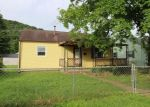 Foreclosed Home en DUPONT AVE, Nitro, WV - 25143