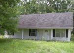 Foreclosed Home in ROBERT MALLET RD, Arnaudville, LA - 70512