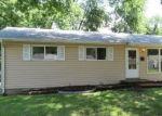 Foreclosed Home en BOBBINRAY AVE, Florissant, MO - 63031