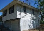 Foreclosed Home en N SMALLEY AVE, Kansas City, MO - 64119