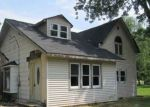 Foreclosed Home en OAK ST, Shiocton, WI - 54170