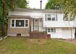 Foreclosed Home en CORBIN RD, Hamden, CT - 06517