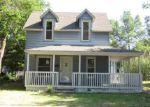 Foreclosed Home en SE 2ND ST, Newton, KS - 67114