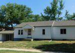 Foreclosed Home en E ACADEMY ST, Hesston, KS - 67062