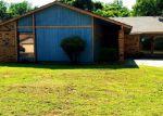 Foreclosed Home en DEL REY DR, Oklahoma City, OK - 73110