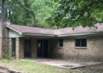 Foreclosed Home en CAMPBELL ST, Daingerfield, TX - 75638