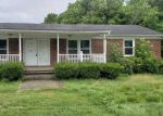 Foreclosed Home en WHITES CREEK RD, Prichard, WV - 25555