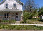 Foreclosed Home en N 2ND ST, New Richmond, WI - 54017