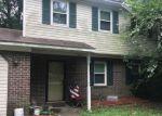 Foreclosed Home en WATERLAWN AVE, Chesapeake, VA - 23323