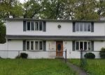 Foreclosed Home en PARKWAY BLVD, Wyandanch, NY - 11798