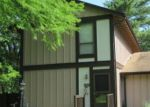 Foreclosed Home en TOWERING PINES DR, Saint Louis, MO - 63136
