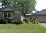 Foreclosed Home en MILETUS DR, Florissant, MO - 63033