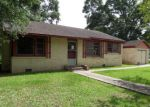 Foreclosed Home en MAUDE AVE, Abbeville, LA - 70510