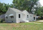 Foreclosed Home en S MASON TER, Wichita, KS - 67216