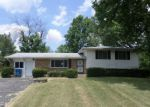 Foreclosed Home en LAUREL HALL DR, Indianapolis, IN - 46226