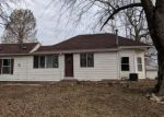 Foreclosed Home en COLUMBIA ST, Alton, IL - 62002