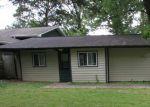 Foreclosed Home en W GREENE LN, Antioch, IL - 60002