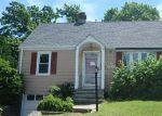 Foreclosed Home en HEMLOCK ST, Stratford, CT - 06615