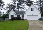 Foreclosed Home en WOODLAND CT, Raeford, NC - 28376