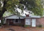 Foreclosed Home en LINCOLN AVE, Lake City, SC - 29560