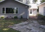 Foreclosed Home en HOFTIEZER RD, Oostburg, WI - 53070