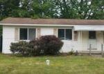 Foreclosed Home en ALLINGHAM DR, White Lake, MI - 48383
