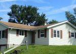 Foreclosed Home en HEMLOCK DR, Clarks Summit, PA - 18411