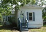 Foreclosed Home en E WASHINGTON ST, Clinton, IL - 61727