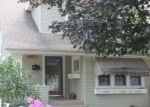 Foreclosed Home en 32ND AVE, Kenosha, WI - 53142