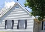 Foreclosed Home en MCKOWAN RD, Ravenswood, WV - 26164