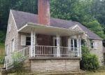 Foreclosed Home en BIG TYLER RD, Charleston, WV - 25313