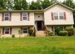 Foreclosed Home en OLD OAK LN, Front Royal, VA - 22630