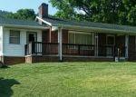 Foreclosed Home en APPLE VALLEY RD, Marion, VA - 24354