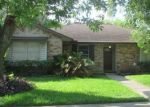 Foreclosed Home en N FOREST BLVD, Houston, TX - 77090