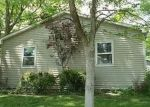 Foreclosed Home en W FACKNEY ST, Carmi, IL - 62821