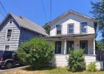 Foreclosed Home en E UNION ST, Lockport, NY - 14094