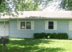 Foreclosed Home en S LYNDALL ST, Mountain Grove, MO - 65711
