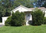 Foreclosed Home en ADIE RD, Saint Ann, MO - 63074