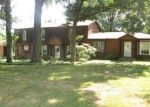 Foreclosed Home en BELLEFONTAINE RD, Saint Louis, MO - 63138