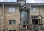 Foreclosed Home en SAINT CLAIR PL, Harrison Township, MI - 48045