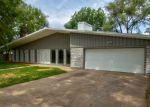 Foreclosed Home en S BYRON RD, Wichita, KS - 67209