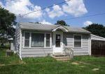 Foreclosed Home en LANTZ AVE, Cedar Falls, IA - 50613