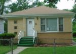 Foreclosed Home en N 33RD AVE, Melrose Park, IL - 60160
