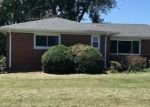 Foreclosed Home en WOLF RD, Alton, IL - 62002