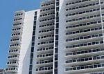 Foreclosed Home en E COUNTRY CLUB DR, Miami, FL - 33180
