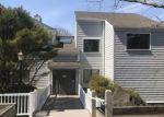 Foreclosed Home en ROWAYTON WOODS DR, Norwalk, CT - 06854