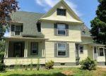Foreclosed Home en HOTCHKISS PL, Torrington, CT - 06790