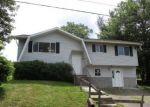 Foreclosed Home en LAMONT ST, Waterbury, CT - 06704