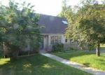 Foreclosed Home en CHIPPER RD, Waterbury, CT - 06704