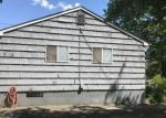 Foreclosed Home en EARLY AVE, Stratford, CT - 06615